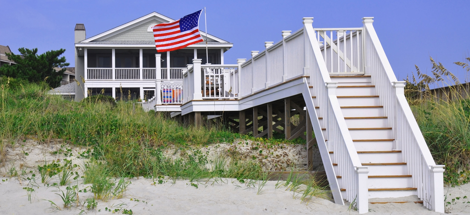 Beach-House-US-Flag